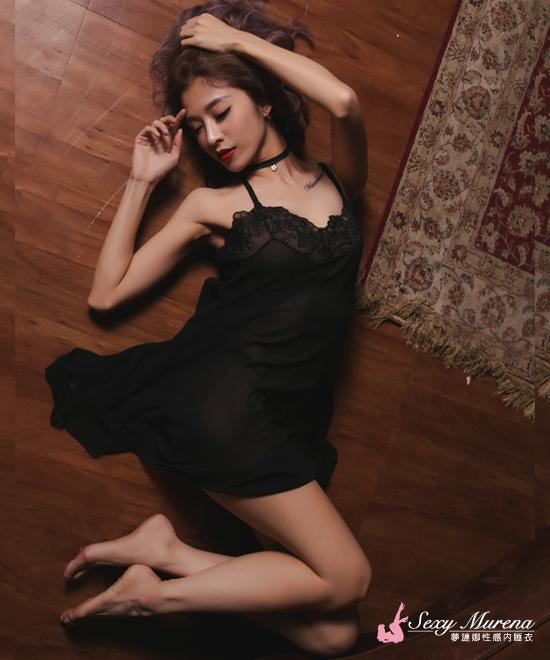 典雅花紋黑色睡衣